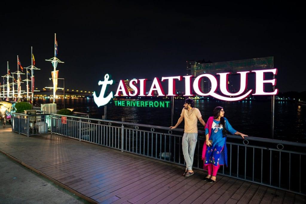 Best Bangkok Market 3: Asiatique, the beautiful water front neon sign
