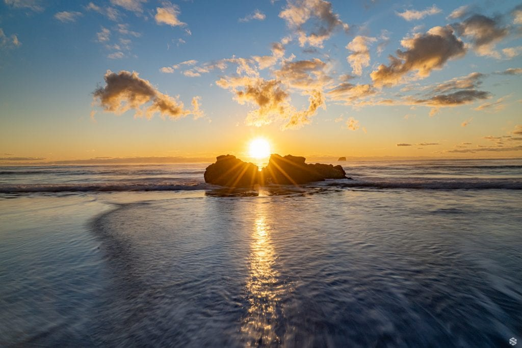 Sunrise at the hot sand beach in New Zealand.